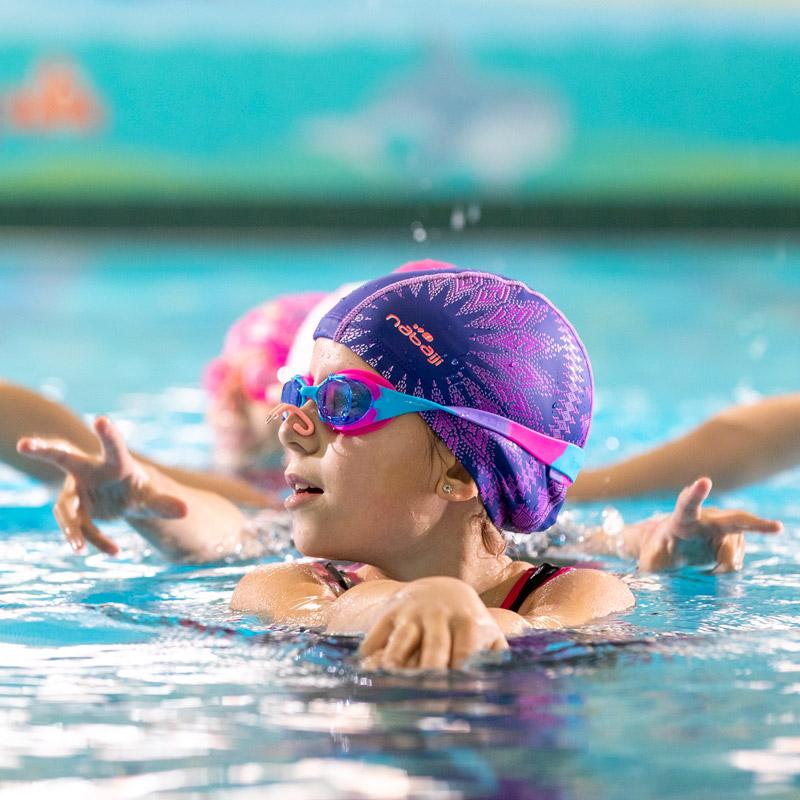 Taller extraescolar de natación sincronizada